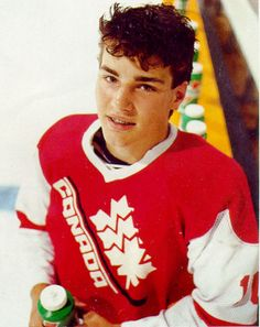 Young Eric Lindros | Team Canada | Hockey Eric Lindros, Canada Hockey, Who Plays It, Hockey Boards, Hockey Rules, Florida Panthers, Philadelphia Flyers, National Hockey League, New York Rangers