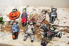 Black cat ornament Folk art cat ceramic figurine Halloween Halloween Trees, Folk Art, Moose Art, Ceramics, Ornaments, Unique Jewelry, Handmade Gifts, Cats, Vintage
