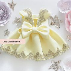 Baby Girl Dress Design, Girls Frock Design, Dress Girl, Kids Dress Wear, Kids Gown, Kids Outfits Girls, Little Girl Dresses, Baby Girl Birthday Dress, Baby Girl Frocks