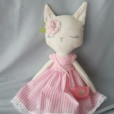 This little kitty found a new home. 😊 Where is nice and sunny, in Spain! 🏡🌞🌞🌞 #handmade #fabricfordolls #heirloomdoll #handmadetoys #dollmaker #softtoy #babygifts #nursery #kids #dolls #clothdolls #crafts #pink #nurserydecor #dollinstagram #sewing #kids #baby