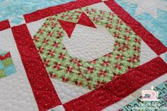 Wreath quilt block - darling!