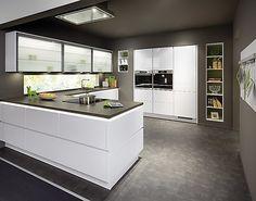 Line N - Focus mit Bosch - Grifflose Designküche - Line N 312 Focus 469 Lack Ultra Hochglanz Lack Premium Weiß