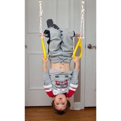 Hanging upside down stimulates our vestibular system, found our inner ear. Planned sensory activities that involve hanging upside down can prevent sensory meltdowns in children with Autism. Proprioceptive Activities, Vestibular System, Sensory Activities, Sensory Tubs, Sensory Rooms, Autistic Children, Children With Autism, Hanging Upside Down, Sensory Therapy