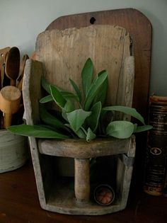 """Rustik Urtepotteskjuler - """"GRAIN SCOOP"""" Primitive Antiques, Country Primitive, Prim Decor, Primitive Decorations, Colonial America, Old Tools, Displaying Collections, Warm And Cozy, Wood Crafts"""