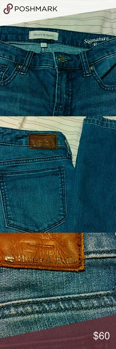 "Henry & Belle jeans Medium wash. Signature boot cut  Inseam is 34"" Henry & Belle Jeans Boot Cut"