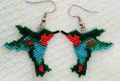 Hand beaded hummingbird earrings por SeedBeadsAndMe en Etsy