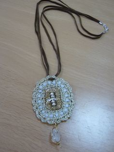Cinturón y pulsera con anillas de refrescos | Aprender manualidades es facilisimo.com
