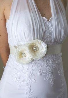 Ivory Bridal Sash, Wedding Flower Sash, Flower Belt, Bridal Dress Accessory, Romantic 2 Flowers Sash with Pearls and Rhinestones