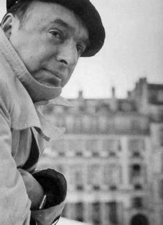 Pero la importancia de Neruda dentro de la poesía americana es semejante a la que en su tiempo tuvo Rubén Darío; como el nicaraguense, tambien ha influido hondamente en todo el ámbito hispano...