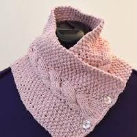 tricoter un snood boutonne