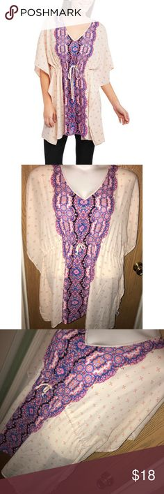 """Boho cinched waist kimono top Super cute chiffon boho cinched waist kimono top.  ❗️Please no low ball offers.❗️ ❗️Bundles always get a discount.❗️ Condition: Great, used  Measurements- Armpit to armpit: 24"""" Total length: 32"""" Smoke free home but I have a small dog.  Thanks for checking out my closet! ❤️ California Happenings Tops"""