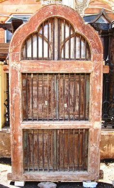 Diese Tür stammt aus Nordindien: Sie wäre wunderbar als Tür in einem langen Flur – ein lichtdurchlässiger Blickfang.