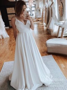 Spaghetti Strap V-neck Satin Rustic Wedding Dresses VW1823 – Viniodress