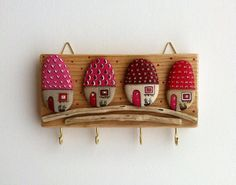 hanging keys by https://www.facebook.com/Vijolcenne/photos/a.292729900865346.1073741832.182641321874205/530876773717323/?type=1&theater