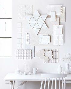 Styling Kim van Rossenberg Fotografie Sjoerd Eickmans #whites #desk #walldecoration