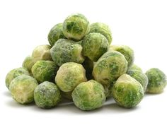 How to Make Frozen Brussels Sprouts Taste Delicious Frozen Brussel Sprouts Recipe, Steamed Brussel Sprouts, Healthy Brussel Sprout Recipes, Freezing Brussel Sprouts, Brussle Sprouts, Balsamic Brussel Sprouts, Asparagus Soup, Bacon Recipes, Veggie Recipes