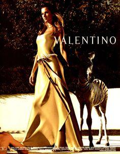 Google Image Result for http://images.fanpop.com/images/image_uploads/Valentino-Ad-w-Gisele-gisele-bundchen-144180_666_850.jpg