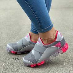 not nike but i quite like Cute Sneakers, Casual Sneakers, Sneakers Fashion, Fashion Shoes, Shoes Sneakers, Fashion Dresses, Fashion 2018, Casual Shoes, Womens Fashion