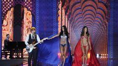 E Anjos Caríam em Londres | Design Set - Live For Inspiration // Fique por dentro do que rolou no debut do Victoria's Secret Fashion Show 2014, em Londres.