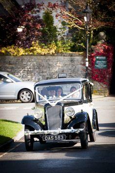 #weddingcars #vintagecars #guidesforbrides
