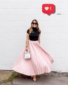 e2be5a8cc26 Menina. Pink Pleated Midi SkirtHoliday ...