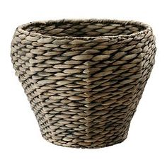 Handmade by a skilled craftsperson. A plastic inner pot makes the plant pot waterproof.