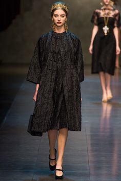 Dolce & Gabbana Fall 2013 Ready-to-Wear Collection Slideshow on Style.com