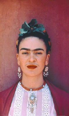 In May 1931 Nickolas Muray traveled to Mexico where he met Frida Kahlo a woman he would never forg&; In May 1931 Nickolas Muray traveled to Mexico where he met Frida Kahlo a woman he would never forg&; m […] aesthetic woman Diego Rivera, Jenni Rivera, Frida Kahlo Portraits, Frida Kahlo Artwork, Frida Kahlo Tattoos, Nickolas Muray, Frida And Diego, Frida Art, Mexican Artists