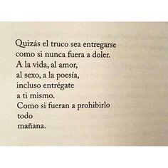 Imagen cortesía de @samargos @samargos @samargos Excelente cuenta, con frases de libros, reflexiones y poesía... ¡Siganla! 《Innormal》de Carlos Miguel Cortés. #amantedelibros