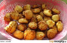 Rychlé kokosky z tvarohu Cookies, Vegetables, Ethnic Recipes, Food, Christmas Recipes, Ds, Crack Crackers, Vegetable Recipes, Eten