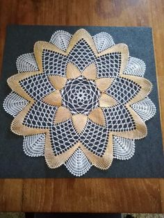 Bobbin Lace Patterns, Lacemaking, Lace Heart, Lace Jewelry, Lace Detail, Butterfly, Bruges, Crochet, How To Make