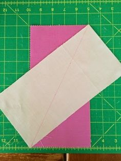 Schnitzel & Boo: Tutorial: This Way That Way Quilt {an HRT pattern} that uses a Layer Cake.