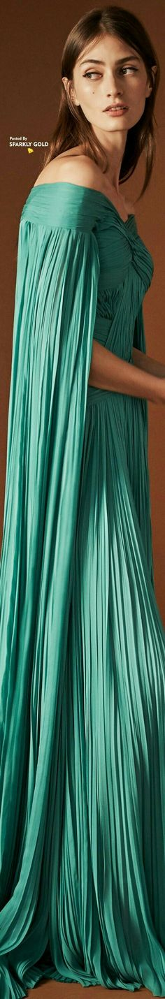 Mendel Spring-summer 2018 - Ready-to-Wear Diva Fashion, Couture Fashion, Runway Fashion, Fashion Design, Fashion Spring, Fashion Trends, Turquoise Fashion, Fashion Capsule, Designer Gowns