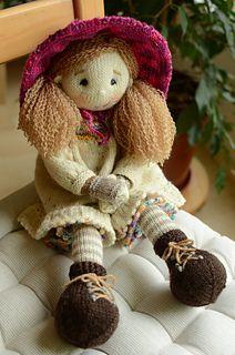 knitted dolls Alma Lottie Doll, free pattern by Deena Thomson-Menard on ravelry Knitting Dolls Free Patterns, Knitted Dolls Free, Crochet Doll Pattern, Free Knitting, Baby Knitting, Crocheted Toys, Crochet Baby, Crochet Amigurumi, Bears