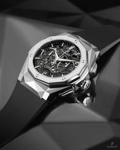 Swiss Army Watches Are So Precise! Hublot Watches, Big Watches, Dream Watches, Sport Watches, Cool Watches, Wrist Watches, Elegant Watches, Stylish Watches, Luxury Watches For Men