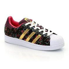 On craque pour ce modèle de baskets femme adidas superstar, son motif fleuri, ses couleurs chaudes...