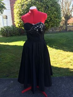 Vintage-50s-Embellished-Full-Circle-Skirt-Cocktal-Dress-and-Bolero-Sz-M