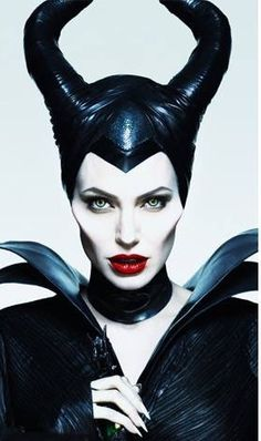 """All fantasy film lovers are excited about the opening of Disney's """"Maleficent"""" starting Angelina Jolie as the Mistress of All Evil. Film Maleficent, Maleficent Makeup, Maleficent Horns, Young Maleficent, Maleficent Party, Disney Villains, Disney Movies, Women Villains, Evil Witch"""