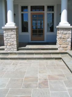 interesting stonework for entry patio bluestone patios ideas This would look awesome in the backyard (Patio Step Ideas) Bluestone Pavers, Flagstone Walkway, Front Walkway, Front Porch, Front Stairs, Open Stairs, Stone Porches, Porch Tile, Concrete Patio Designs