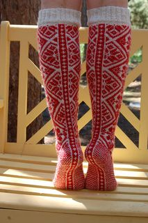 Pencilinthepines' knitted Norwegian socks, via Ravelry. Fair Isle Knitting, Knitting Socks, Hand Knitting, Knitting Patterns, Crochet Patterns, Ravelry, Norwegian Knitting, Lady Stockings, Yarn Crafts