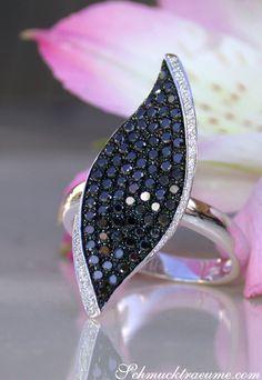 Jewelry Box, Jewelry Accessories, Jewellery, Dream Ring, Black Diamond, Set Apart, Color Blue, Tiffany, Gold