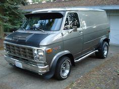 Custom VANS natural BABES & other bad ass transportation. Chevrolet Van, General Motors, Cool Trucks, Chevy Trucks, Station Wagon, Gmc Vans, Vw Lt, Old School Vans, Dodge Van