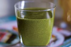 Green Sweet Nectarine - Looking for healthy green smoothie recipes? This raw vegan nectarine green smoothie with spinach tastes delicious! Sweet, smooth and creamy!