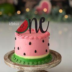 One Year Birthday Cake, Little Girl Birthday Cakes, First Birthday Cake Topper, First Birthday Themes, Themed Birthday Cakes, Baby First Birthday, First Birthdays, Birthday Ideas, Watermelon Birthday Cakes