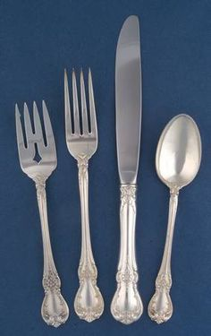 VERY GOOD CONDITION M S TOWLE OLD MASTER STERLING SILVER DINNER FORK