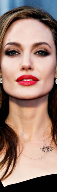 ❇Téa Tosh❇ Angelina Jolie