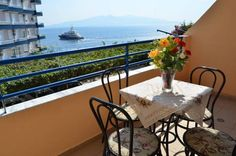 Vila Alvin Sarandë Vila Alvin is situated in Sarandë, 29 km from Corfu Town. Glyfada is 35 km away. Free WiFi is available .  The pet-friendly accommodation is air conditioned and features a TV. Some units feature a seating area and/or balcony.