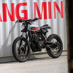 Garage Build: A custom Honda XR600R from France