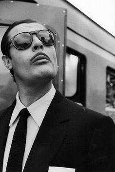 Persol And Crunchy Knit Tie Weather. Marcello Mastroianni: Easy elegance and moustache. Marcello Mastroianni, Photo Star, Photo Vintage, Persol, Moustaches, Film Stills, Famous Faces, Alain Delon, Movies