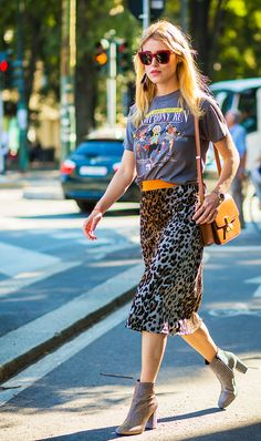Leopard print and a graphic tee always go so well together.